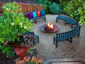 DP_Jane-Ellison-outdoor-fire-pit_s4x3_lg.jpg.rend.hgtvcom.1280.960